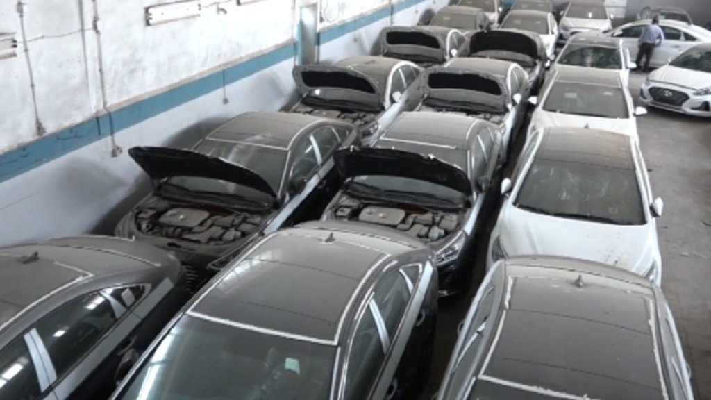 ۲۷ دستگاه خودرو خارجی احتکاری در بوشهر کشف شد